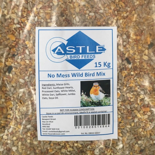 Castle bird feeds 15 kg